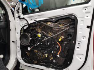 Шумоизоляция авто Тюмень - Вибродемпфирующий материал премиум сегмента STP AERO