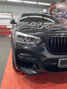 BMW X4. Детейлинг: Полировка кузова, керамика, оклейка глянцевых вставок салона полиуретановой плёнкой. Тюмень