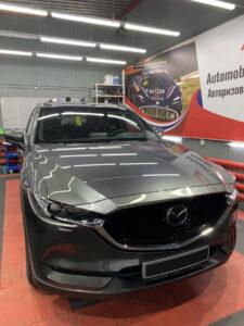 Mazda CX-5: защита глянцевых элементов салона полиуретановой плёнкой